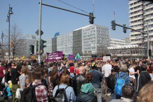 Demozug Anfang Mietenwahnsinn Demo April 2019