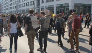 Demozug Warschauer Strasse Mietenwahnsinn Demo April 2019