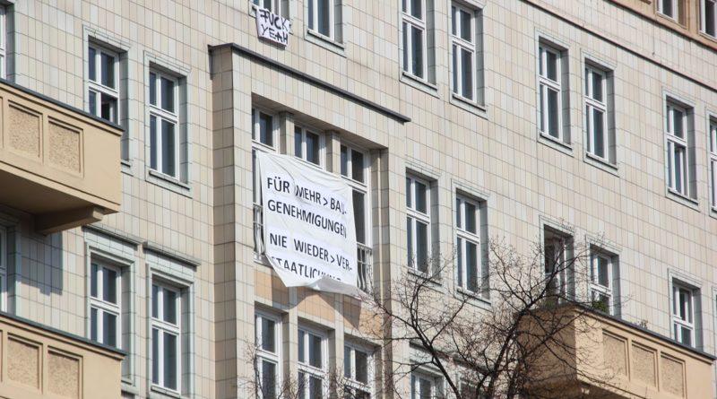 Hausplakate 2 Mietenwahnsinn Demo April 2019