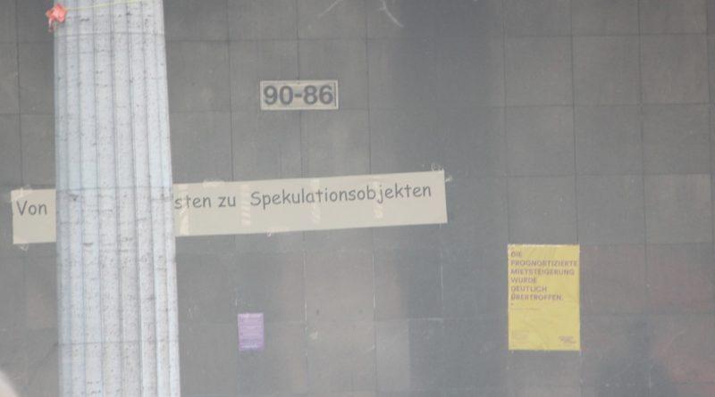 Schriftzug KMA 86 Mietenwahnsinn Demo April 2019