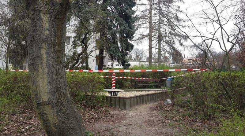 Gesperrter Spielplatz in Berlin